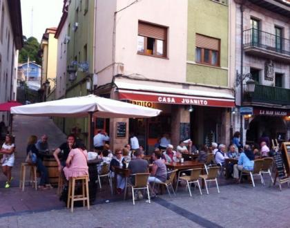 Casa Juanito Vinatería Turismo Ribadesella